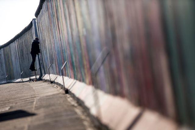 Les Berlinois se battent pour que le Mur reste intact