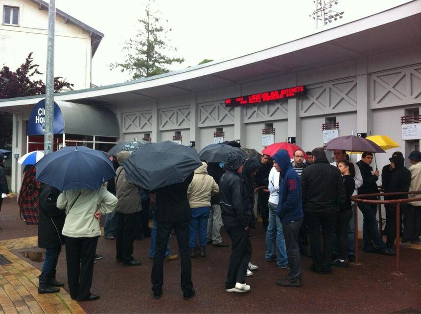 Les supporters des Girondins sont venus malgré la pluie - Radio France
