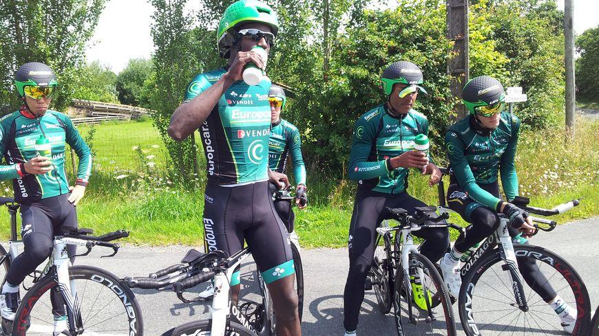 Les coureurs Europcar pendant l'entraînement