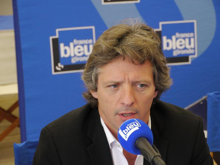 Guy Accocéberry au micro de France Bleu Gironde - Radio France