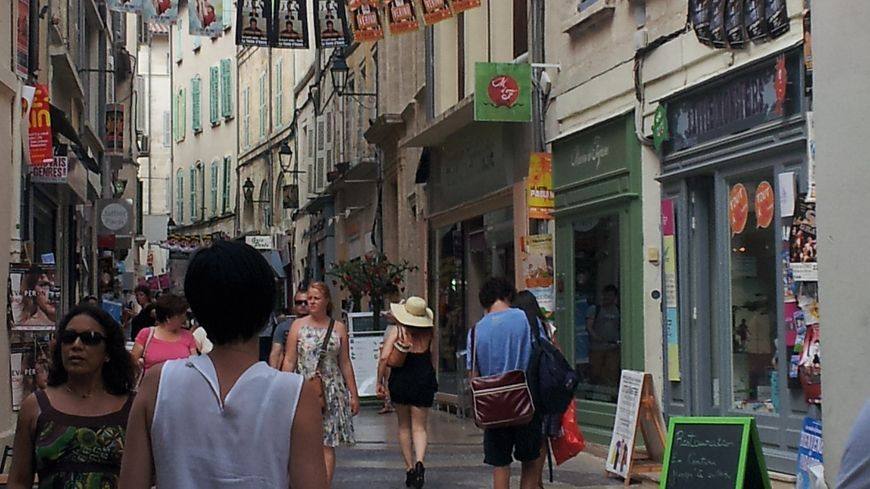 Les Boutiques D 39 Avignon Intra Muros Vont Pouvoir Ouvrir Le