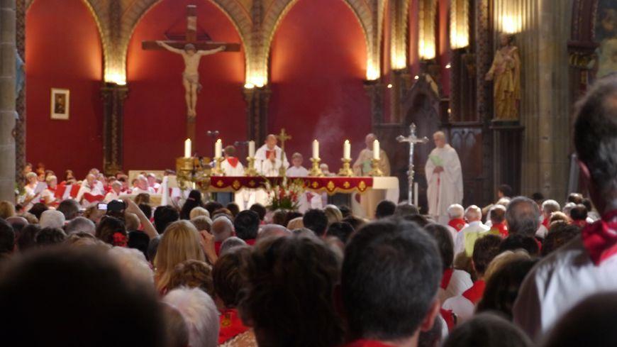 Messe des des Fêtes de Bayonne 2013 : l'église Saint-André archi-pleine