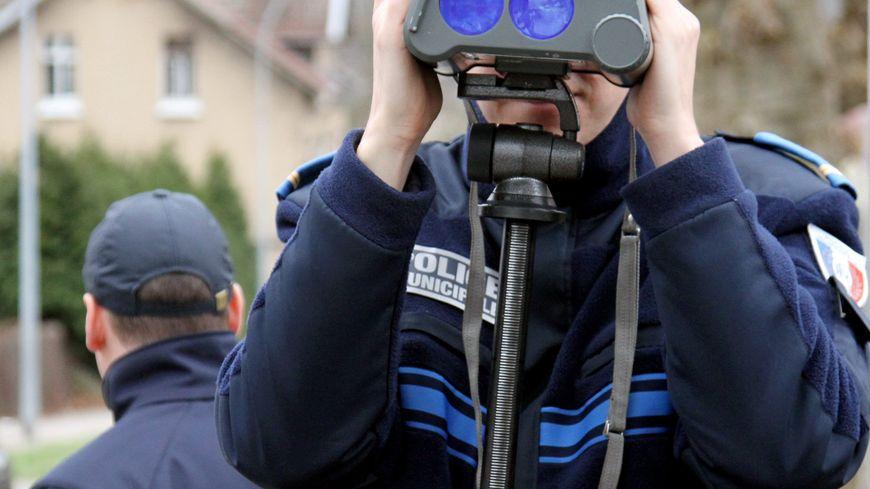 contrôle police route excès de vitesse autoroute