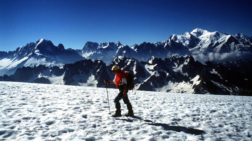 ILLUSTRATION Neige Chamonix mont-Blanc 30 juillet 2001