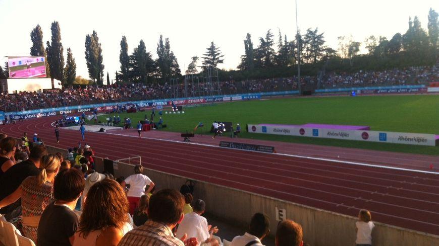 9.000 spectateurs ont assisté au Décanation à Valence, au stade Pompidou