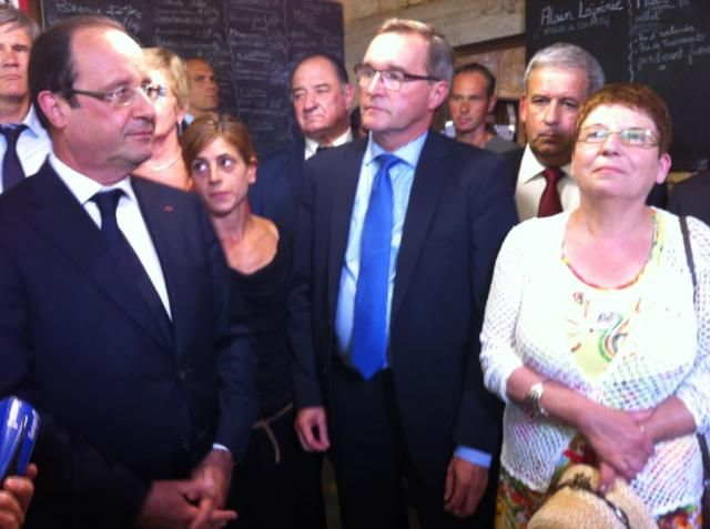 François Hollande avec les députés Germinal Peiro et Brigitte Allain à Carsac-Aillac - Radio France