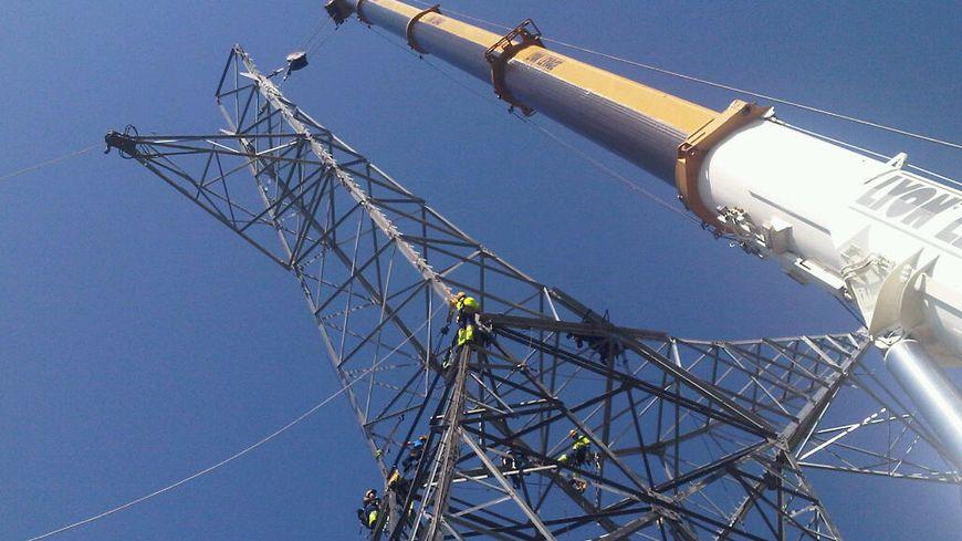 Remplacement d'un pylone HT