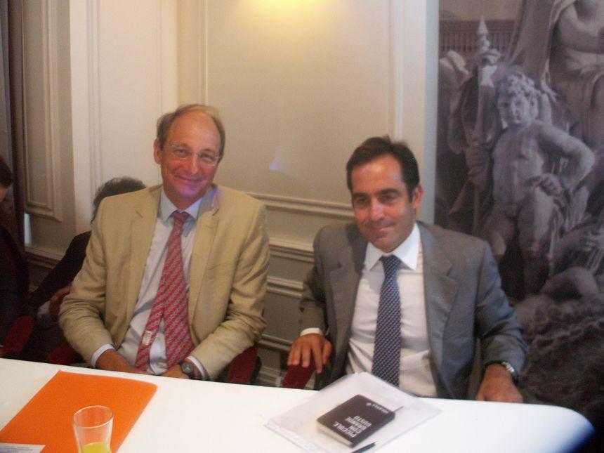Pascal Personne, directeur de l'aéroport de Bordeaux, et Carlos Muñoz, fondateur de Volotea - Radio France