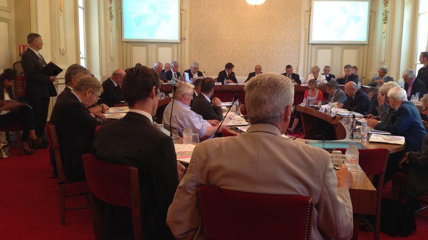 Le redécoupage des cantons en Haute-Savoie a fait l'objet de plusieurs réunions avec les élus locaux.