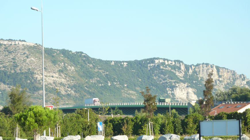 Le pont des Lônes aux portes de Valence dans la Drôme.