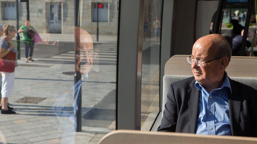 Jean Germain lors de l'inauguration du tramway de Tours le 30 août 2013.