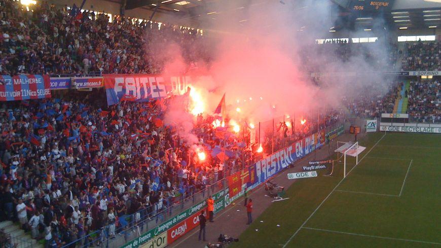 Le stade Michel-d'Ornano et les supporters du Stade Malherbe Caen (photo d'illustration).