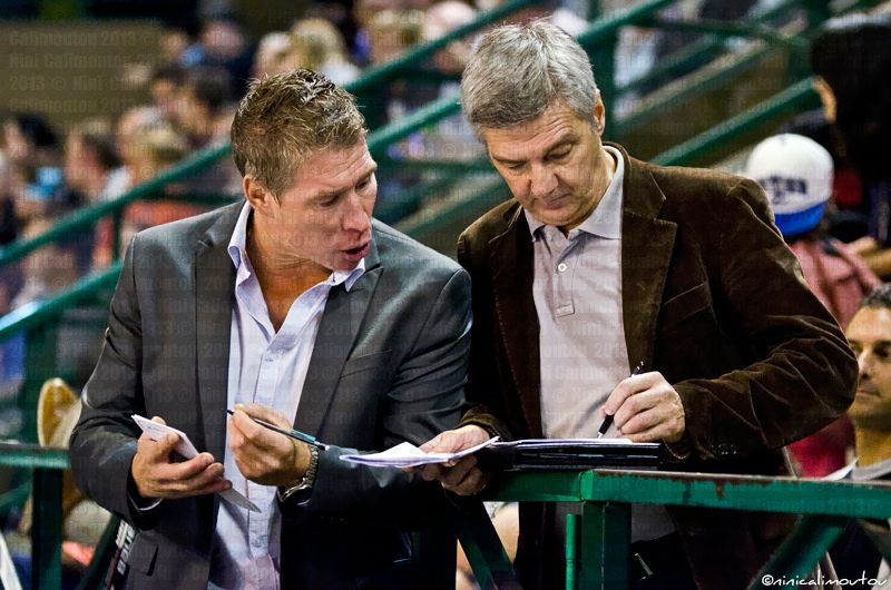 Le coach québécois des Boxers Martin Lacroix (à gauche) - C.Nini