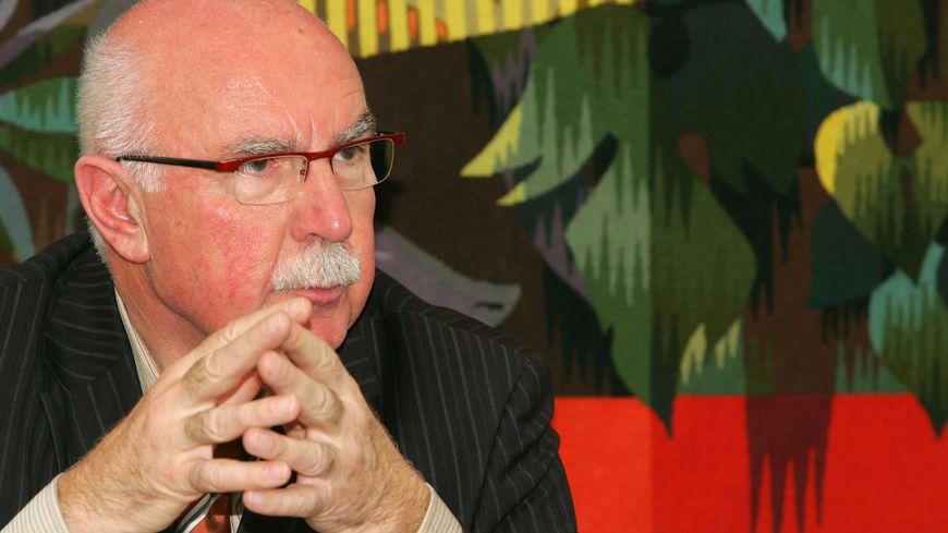 Jacques Remiller (UMP), maire sortant de Vienne, Isère.