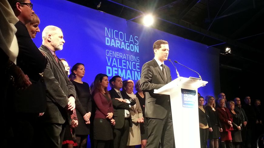 """Nicolas Daragon a présente sa liste """"Générations Valence demain"""" à Valence le 24 octobre 2013."""
