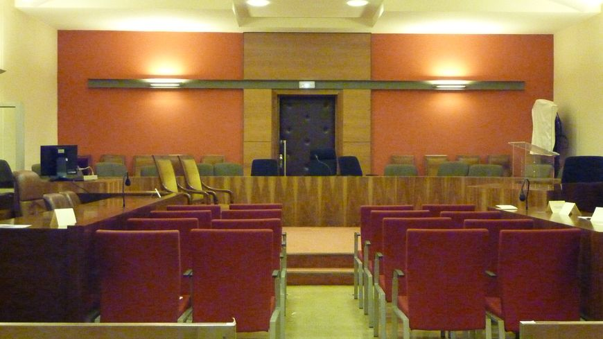 La grande salle au palais de Justice de Valence pour les assises.
