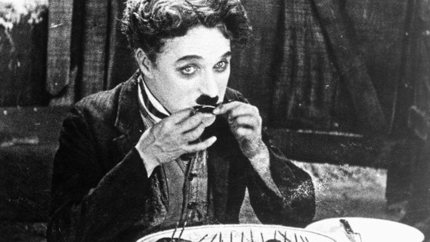 Charlie Chaplin a vécu quelque temps sur les bords du Léman, à Corsier-sur-Vevey, après avoir fui le Maccarthysme.