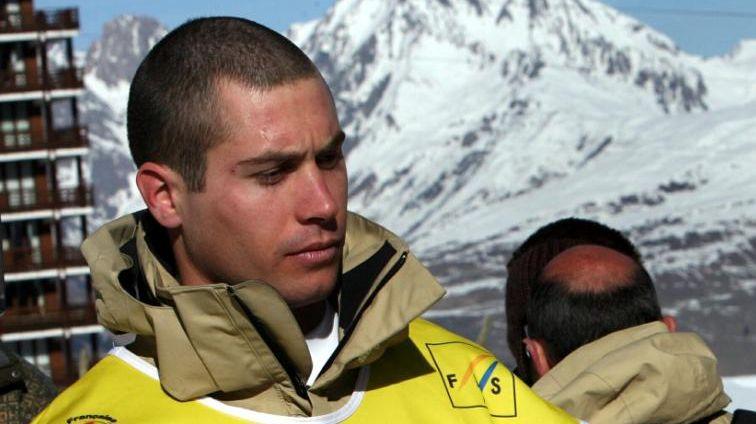 Guilbaut Colas contraint à l'abandon à Sotchi après une sérieuse blessure au genou.