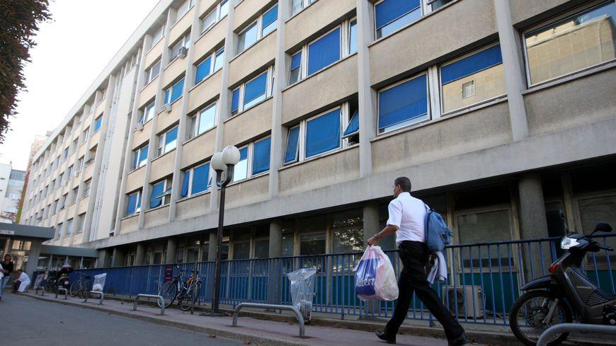 L'Hôpital Cochin, dans le 14e arrondissement de Paris