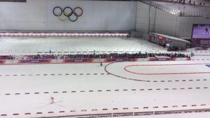 Le relais hommes de biathlon s'est déroulé en nocturne en Russie.