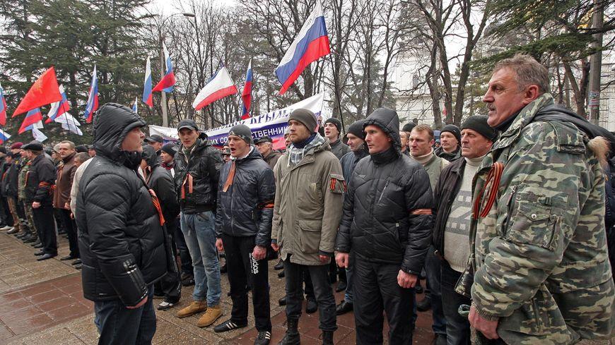 Des hommes armés ont envahi le parlement de Crimée, jeudi, sous des drapeaux russes