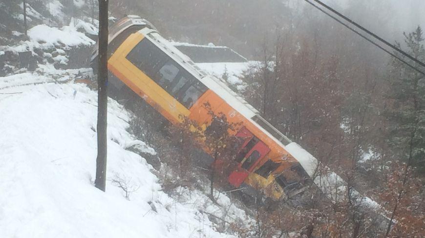Le déraillement spectaculaire du train des Pignes