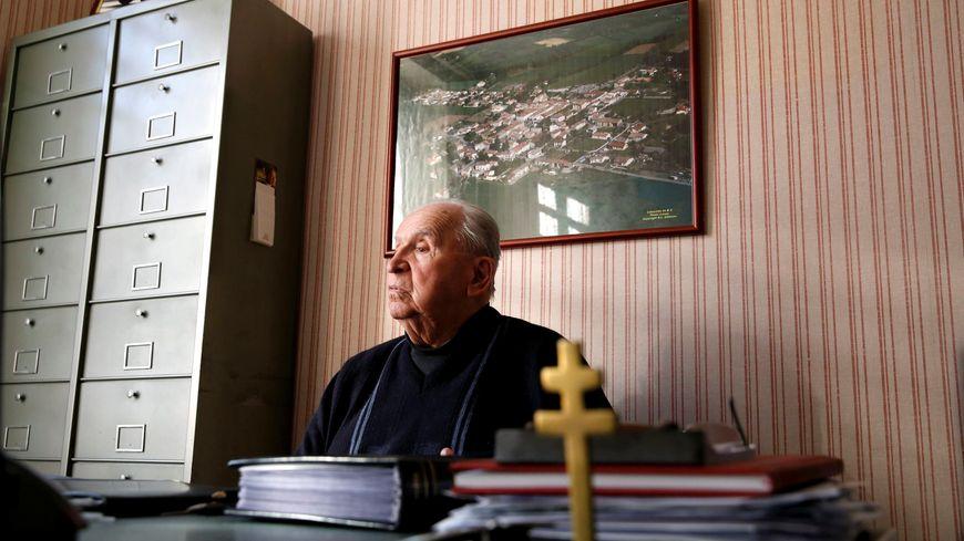 Roger Senié, en novembre dernier dans son bureau de la mairie de La Bastide-de-Bousignac