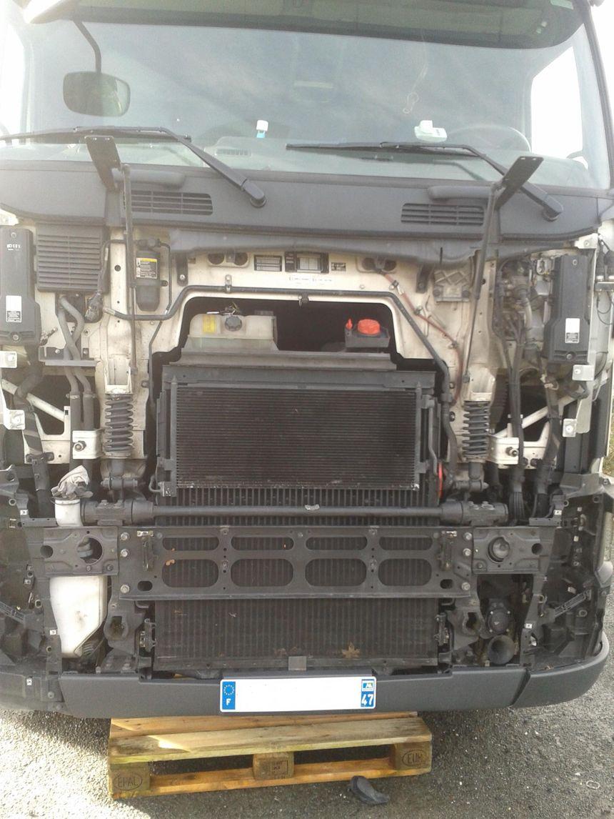 Un camion désossé - Radio France