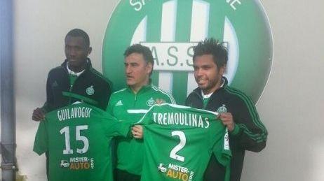 Benoît Trémoulinas à côté de l'entraîneur Christophe Galtier et de Guilavogui.