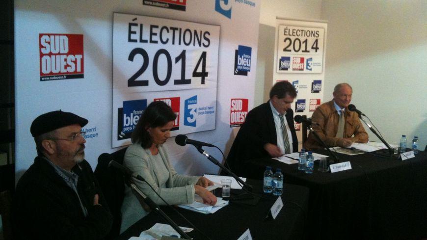 Le quatre débateurs ce mercredi 12 février, à Urrugne.