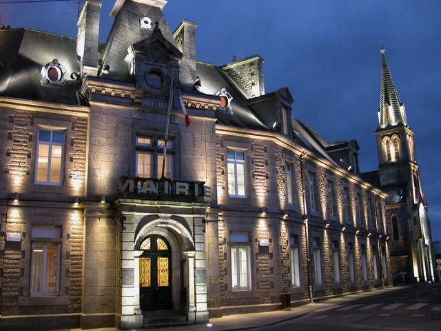 Loudéac ((Côtes-d'Armor) - Hôtel de ville