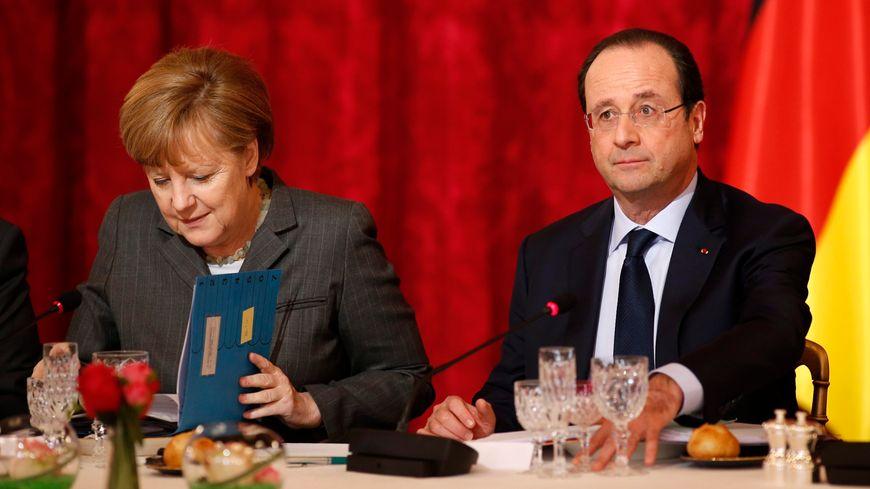 La chancelière Angela Merkel et le président François Hollande le 19 février 2014 à Paris