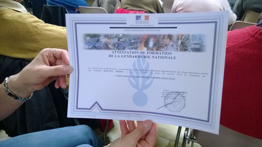 Le diplôme décerné par la gendarmerie aux capitaines de quartier des Alpes-Maritimes.