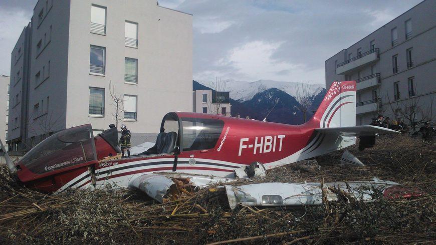L'avion s'est écrasé en centre-ville, à Albertville