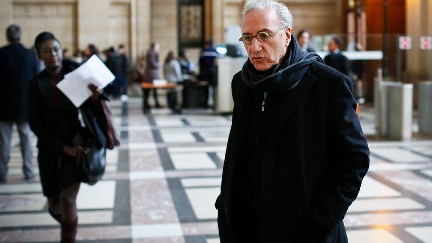 Le docteur André Hazout, à son arrivée au palais de justice de Paris