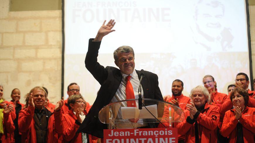 Jean-François Fountaine est élu maire de La Rochelle, devant la candidate officielle du PS