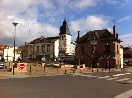 A Migennes, de nombreux habitants se plaignent du manque de commerces en centre-ville. - Radio France