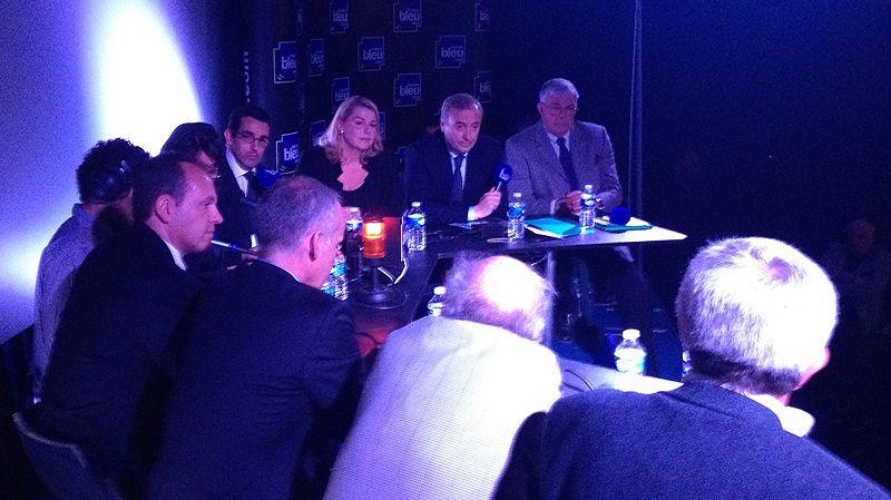 Les sept candidats à la mairie de Vence, lors du débat
