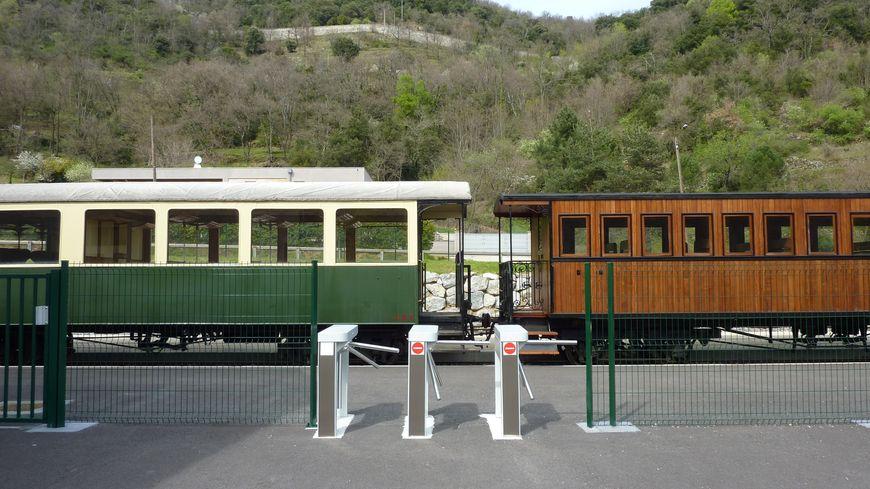Le train de l'Ardèche reprend ses navettes dans la vallée du Doux