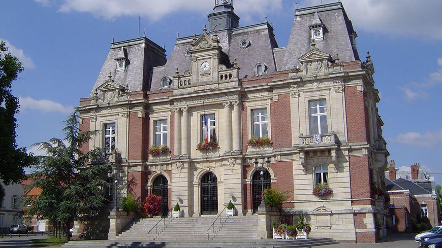 L'hotel de ville de Doullens dans la Somme