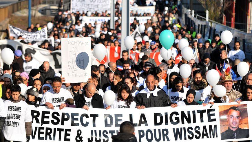 La marche blanche en mémoire de Wissam et pour la vérité sur sa mort, le 14 janvier 2012 à Clermont-Ferrand.
