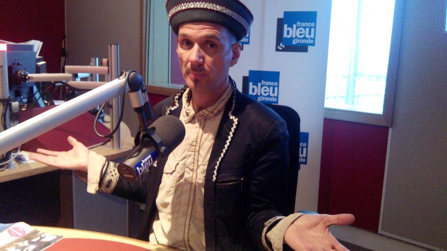 Yves Simone dans le studio de France Bleu Gironde