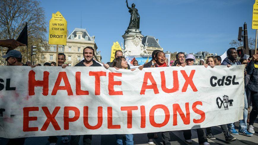 Droit au Logement, Jeudi noir et d'autres associations ont manifesté samedi contre les expulsions, à Paris