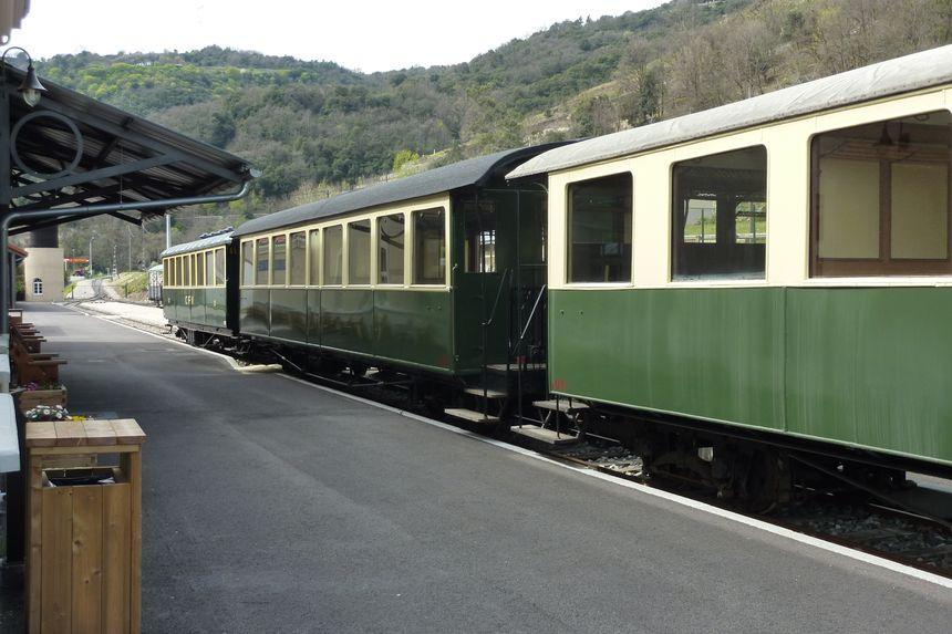 Le train de l'Ardèche reprend ses navettes dans la vallée du Doux - Stéphane Milhomme - Radio France