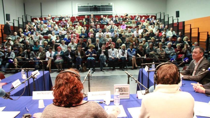 200 personnes avaient assisté au premier débat à Bergerac