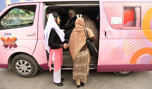 Pakistan : des bus pour les femmes