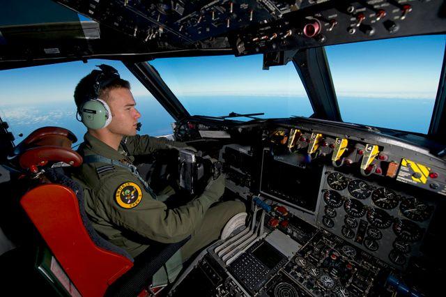 pilote de la Royal Australian Air Force à la recherche du Vol MH370