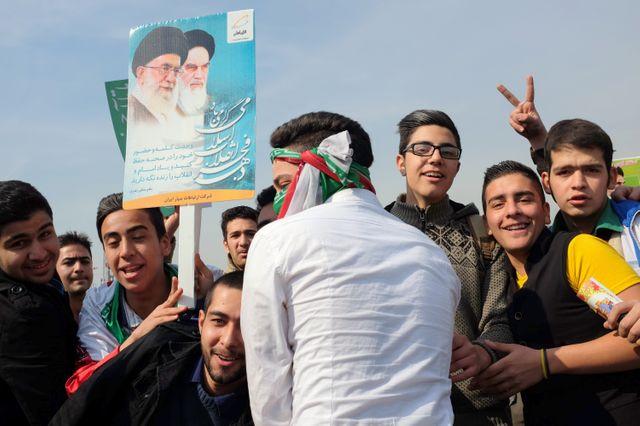 dans le cortège du défilé le jour du 35ème anniversaire de la révolution, dans les rues de Téhéran