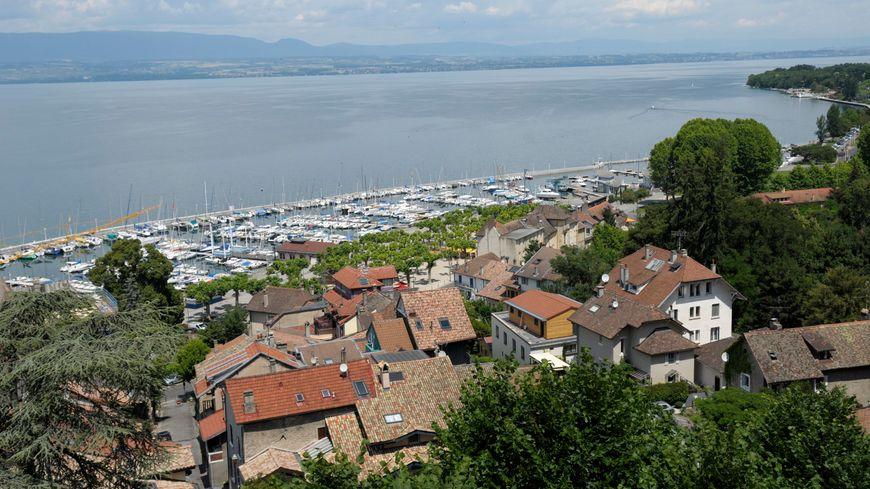Thonon-les-Bains, le port et le lac Léman