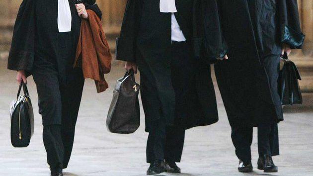 Clone of Les avocats